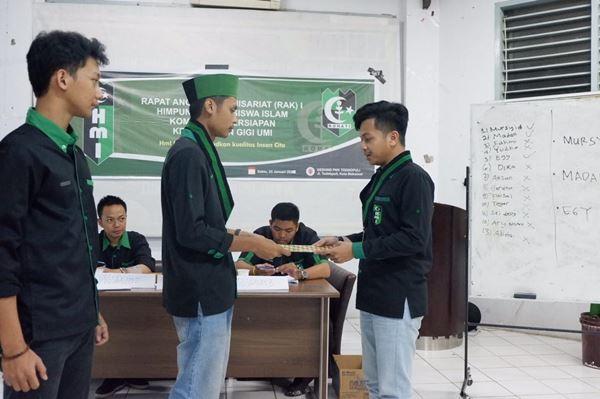Muhallad Mursyid Hamka, Menjadi ketua komisariat FKG UMI pertama